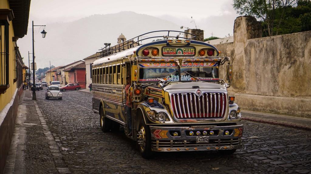 Antigua, Bus