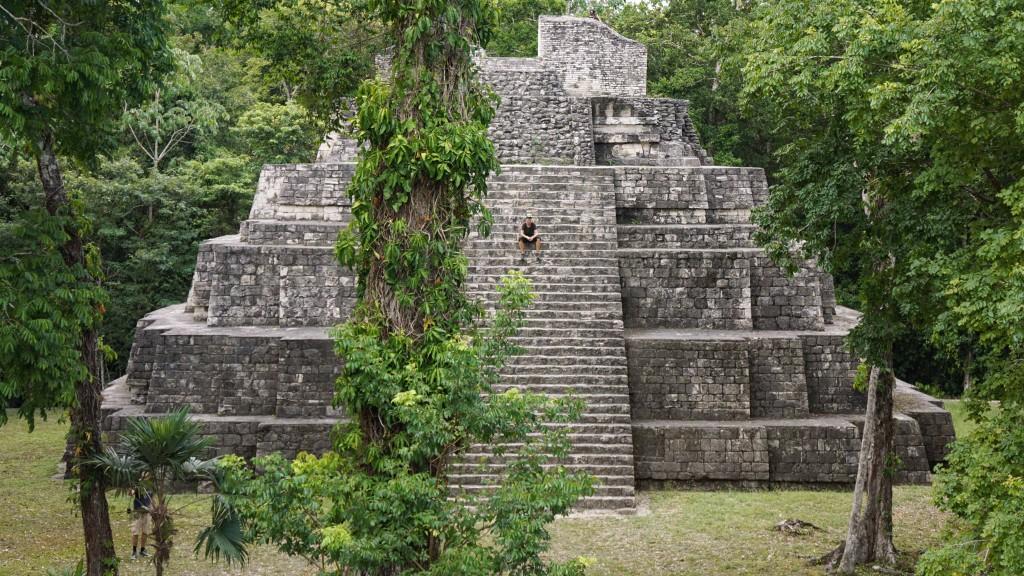 Jeder nur eine Pyramide