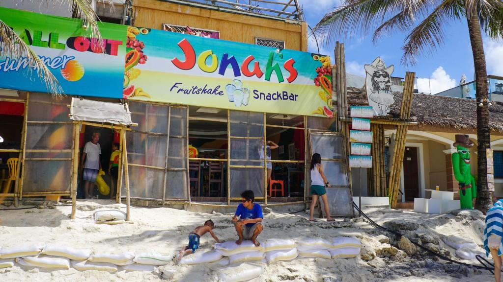 Boracay, Jonah's Fruitshakes